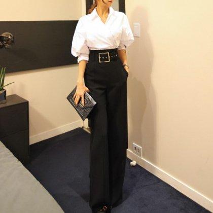 オトナ女子のオフィススタイルに 太ベルトがおしゃれなエンタープレスのストレート黒パンツ