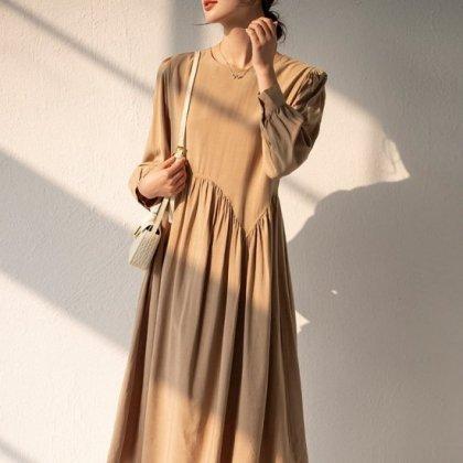 アシンメトリーなギャザーがおしゃれ きれいめでかわいい長袖フレアワンピース 3色