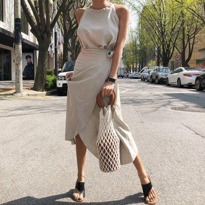 ナチュラルでおしゃれな海外デザイン ノースリーブトップスとロングスカートのきれいめセットアップ