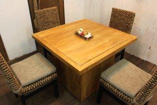 スクエアチークテーブル(195,300円)