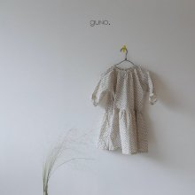 demi ops<br>ivory<br>『guno・』<br>19FW 定価<s>3,900円</s><br>