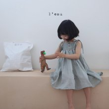 smocking ops<br>tone down blue<br>『l'eau』<br>20SS <br>定価<s>4,080円</s>