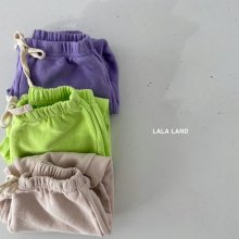 Spring jogger pants<br>3 color<br>『lala land』<br>21 SS<img class='new_mark_img2' src='https://img.shop-pro.jp/img/new/icons13.gif' style='border:none;display:inline;margin:0px;padding:0px;width:auto;' />