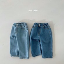 Straight cut denim<br>2 color<br>『lala land』<br>21 SS<img class='new_mark_img2' src='https://img.shop-pro.jp/img/new/icons13.gif' style='border:none;display:inline;margin:0px;padding:0px;width:auto;' />