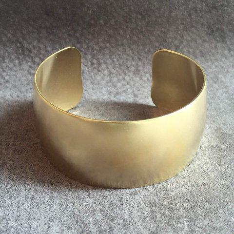 ak studio / golden cuff