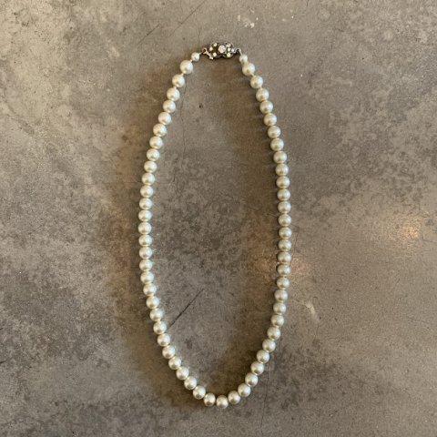 Pisces / Vintage  Faux Pearl Necklace