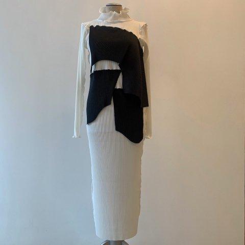 kotohayokozawa / Pleats Dress - long sleeve, high neck 01