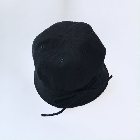 <img class='new_mark_img1' src='https://img.shop-pro.jp/img/new/icons3.gif' style='border:none;display:inline;margin:0px;padding:0px;width:auto;' />tone / TIED HAT - black