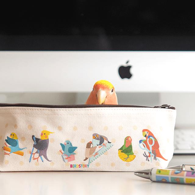 ペンケース(鳥さんと文房具) 商品の様子