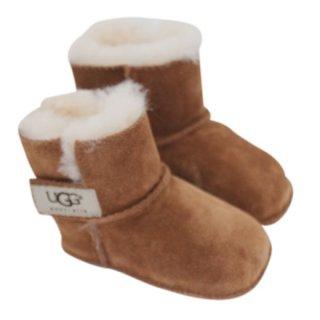 UGG子供用ブーツ