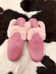 <img class='new_mark_img1' src='https://img.shop-pro.jp/img/new/icons16.gif' style='border:none;display:inline;margin:0px;padding:0px;width:auto;' />F-TROUPE/QUILTED SATIN FUR MULE