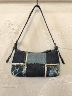 Vintage Paneled Denim Hand Bag<img class='new_mark_img2' src='https://img.shop-pro.jp/img/new/icons50.gif' style='border:none;display:inline;margin:0px;padding:0px;width:auto;' />
