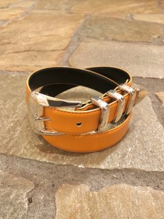 Vintage Orange Faux Leather Belt sizeS<img class='new_mark_img2' src='https://img.shop-pro.jp/img/new/icons50.gif' style='border:none;display:inline;margin:0px;padding:0px;width:auto;' />