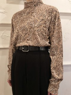 Vintage Paisley Print Mockneck Beige L<img class='new_mark_img2' src='https://img.shop-pro.jp/img/new/icons50.gif' style='border:none;display:inline;margin:0px;padding:0px;width:auto;' />
