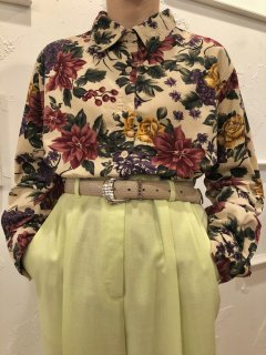 Vintage Beige Floral Print Corduroy Shirt M~L<img class='new_mark_img2' src='https://img.shop-pro.jp/img/new/icons50.gif' style='border:none;display:inline;margin:0px;padding:0px;width:auto;' />