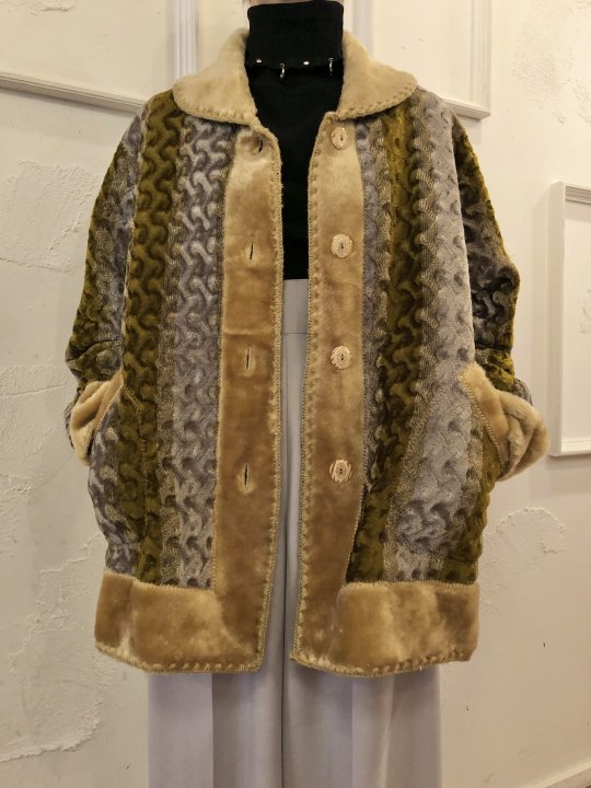 Vintage Reversible Faux Fur Coat L<img class='new_mark_img2' src='https://img.shop-pro.jp/img/new/icons50.gif' style='border:none;display:inline;margin:0px;padding:0px;width:auto;' />