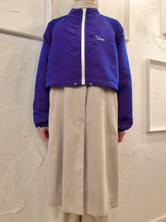 Vintage Metallic Purple Short Jacket M-L<img class='new_mark_img2' src='https://img.shop-pro.jp/img/new/icons50.gif' style='border:none;display:inline;margin:0px;padding:0px;width:auto;' />