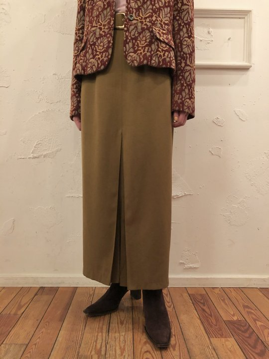 Vintage Belt Design Gold Long Skirt M<img class='new_mark_img2' src='https://img.shop-pro.jp/img/new/icons50.gif' style='border:none;display:inline;margin:0px;padding:0px;width:auto;' />