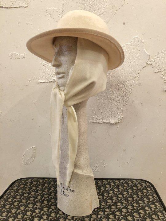 Vintage White Scarf Tie Hat S