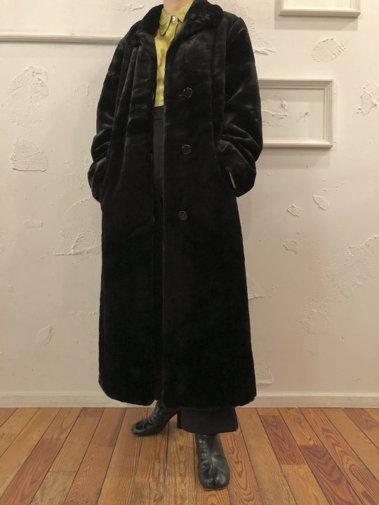 Vintage Black Faux Fur Long Coat M<img class='new_mark_img2' src='https://img.shop-pro.jp/img/new/icons50.gif' style='border:none;display:inline;margin:0px;padding:0px;width:auto;' />