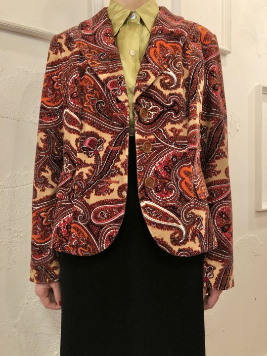 Vintage Paisley Print Velour Jacket Beige M<img class='new_mark_img2' src='https://img.shop-pro.jp/img/new/icons50.gif' style='border:none;display:inline;margin:0px;padding:0px;width:auto;' />