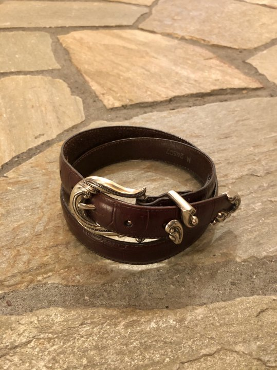 Vintage Brown Leather Belt M-L<img class='new_mark_img2' src='https://img.shop-pro.jp/img/new/icons50.gif' style='border:none;display:inline;margin:0px;padding:0px;width:auto;' />