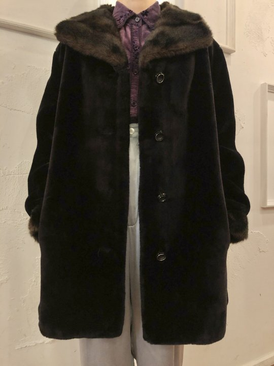 Vintage Black/Dark Brown Faux Fur Coat M<img class='new_mark_img2' src='https://img.shop-pro.jp/img/new/icons50.gif' style='border:none;display:inline;margin:0px;padding:0px;width:auto;' />