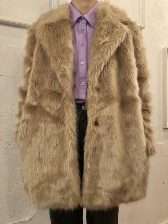 Vintage Beige Faux Fur Coat M<img class='new_mark_img2' src='https://img.shop-pro.jp/img/new/icons50.gif' style='border:none;display:inline;margin:0px;padding:0px;width:auto;' />