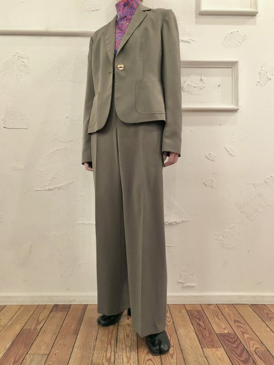 Vintage Olive Set Up (Flare Pants) M<img class='new_mark_img2' src='https://img.shop-pro.jp/img/new/icons50.gif' style='border:none;display:inline;margin:0px;padding:0px;width:auto;' />