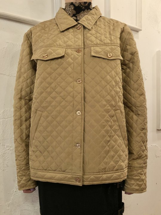 Vintage Camel Silk Quilted Jacket M<img class='new_mark_img2' src='https://img.shop-pro.jp/img/new/icons50.gif' style='border:none;display:inline;margin:0px;padding:0px;width:auto;' />