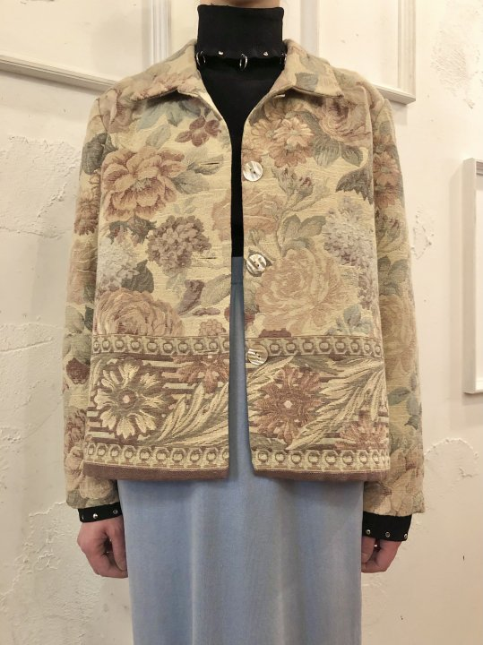 Vintage Floral Motif Gobelin Jacket Ivory M<img class='new_mark_img2' src='https://img.shop-pro.jp/img/new/icons50.gif' style='border:none;display:inline;margin:0px;padding:0px;width:auto;' />