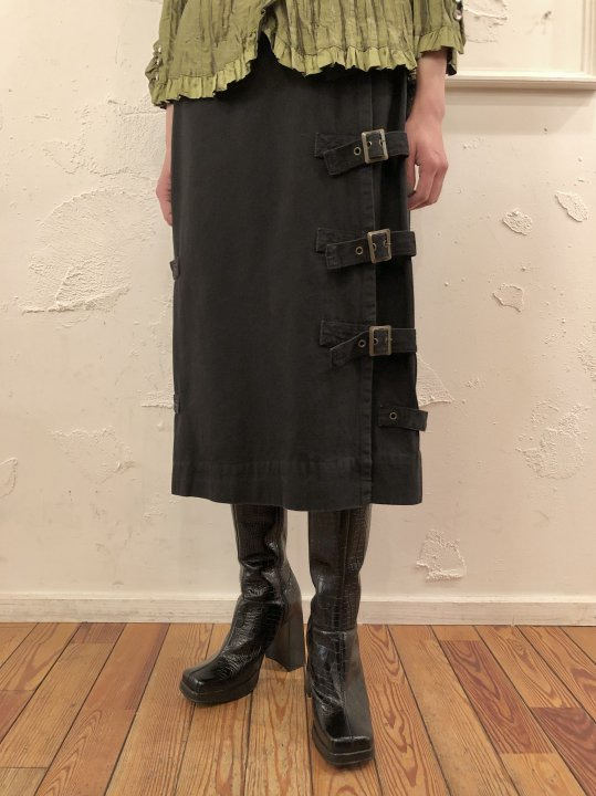Vintage Belt Design Black Denim Skirt S<img class='new_mark_img2' src='https://img.shop-pro.jp/img/new/icons50.gif' style='border:none;display:inline;margin:0px;padding:0px;width:auto;' />