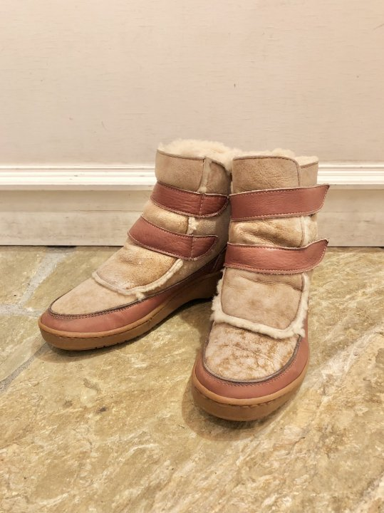 Vintage Velcro Strap Mouton Boots 25.5cm<img class='new_mark_img2' src='https://img.shop-pro.jp/img/new/icons50.gif' style='border:none;display:inline;margin:0px;padding:0px;width:auto;' />