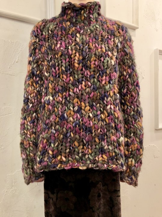 Vintage Multi Color Highneck Sweater M<img class='new_mark_img2' src='https://img.shop-pro.jp/img/new/icons50.gif' style='border:none;display:inline;margin:0px;padding:0px;width:auto;' />
