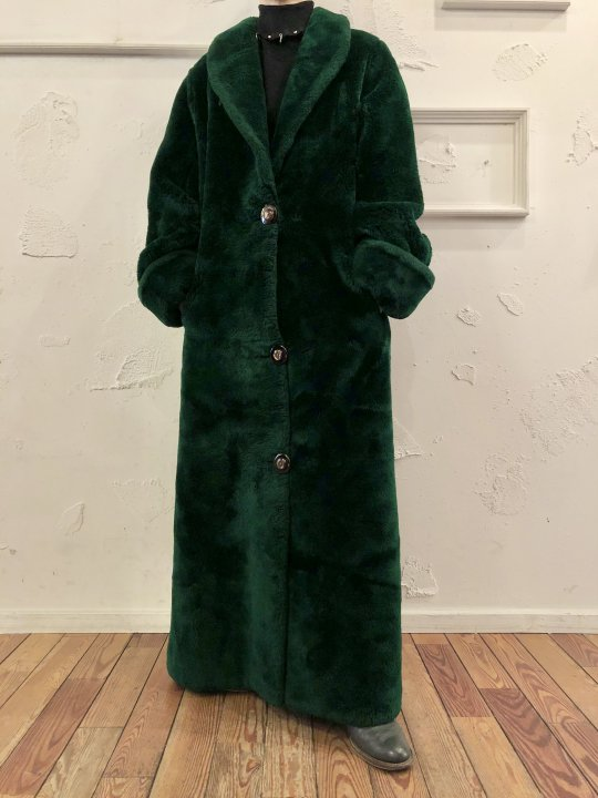 Vintage Maxi Length Green Faux Fur Coat L <img class='new_mark_img2' src='https://img.shop-pro.jp/img/new/icons50.gif' style='border:none;display:inline;margin:0px;padding:0px;width:auto;' />
