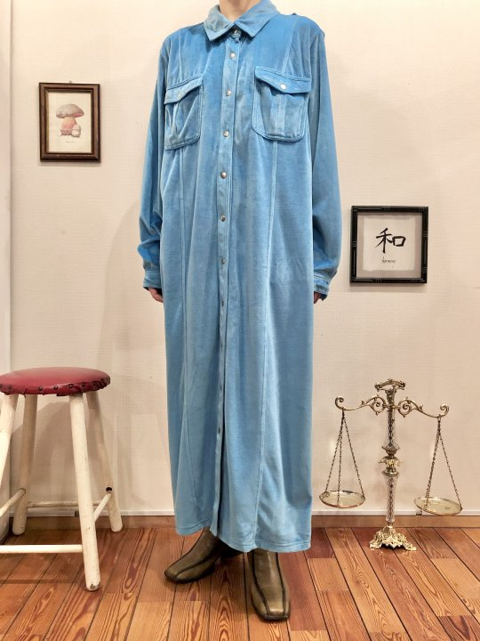 Vintage Turquoise Velour Long Shirt Dress M<img class='new_mark_img2' src='https://img.shop-pro.jp/img/new/icons50.gif' style='border:none;display:inline;margin:0px;padding:0px;width:auto;' />
