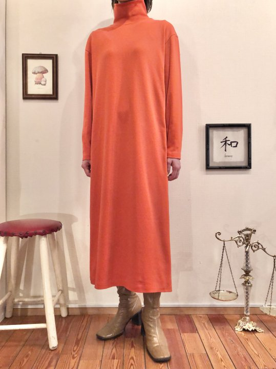 Vintage Orange Mockneck Long Dress M<img class='new_mark_img2' src='https://img.shop-pro.jp/img/new/icons50.gif' style='border:none;display:inline;margin:0px;padding:0px;width:auto;' />