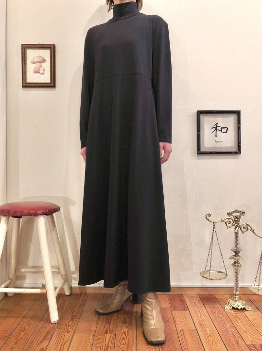 Vintage Black Mockneck Maxi Dress M<img class='new_mark_img2' src='https://img.shop-pro.jp/img/new/icons50.gif' style='border:none;display:inline;margin:0px;padding:0px;width:auto;' />