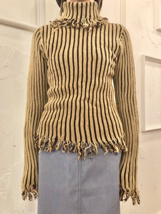 Vintage Fringe Design Beige Turtleneck Sweater S<img class='new_mark_img2' src='https://img.shop-pro.jp/img/new/icons50.gif' style='border:none;display:inline;margin:0px;padding:0px;width:auto;' />
