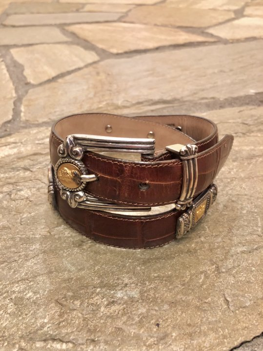 Vintage Silver & Gold Concho Design Brown Leather Belt S <img class='new_mark_img2' src='https://img.shop-pro.jp/img/new/icons50.gif' style='border:none;display:inline;margin:0px;padding:0px;width:auto;' />
