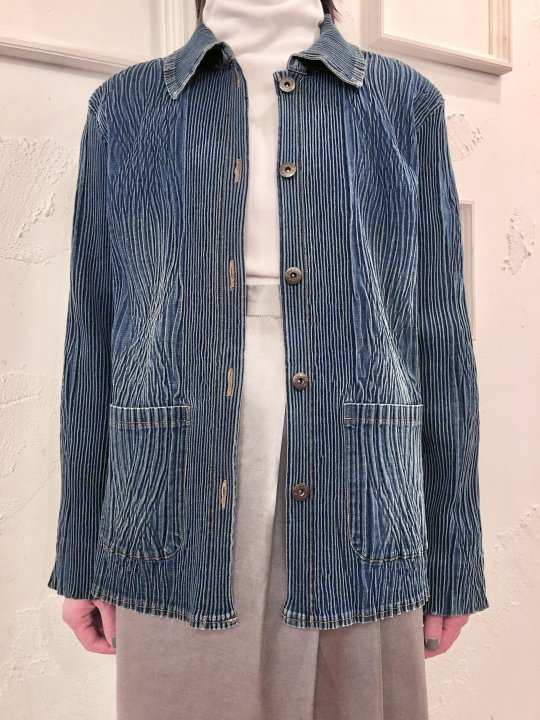 Vintage Pleated Design Denim Jacket M<img class='new_mark_img2' src='https://img.shop-pro.jp/img/new/icons50.gif' style='border:none;display:inline;margin:0px;padding:0px;width:auto;' />