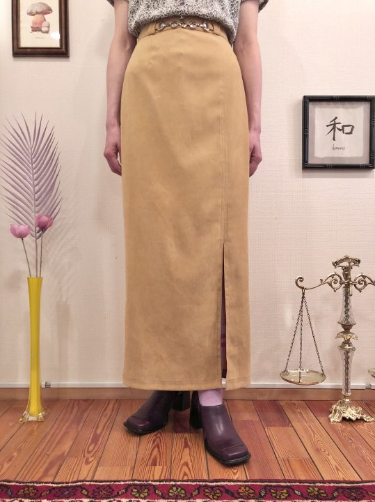Vintage Beige Faux Suede Chain Belt Design Long Skirt M<img class='new_mark_img2' src='https://img.shop-pro.jp/img/new/icons50.gif' style='border:none;display:inline;margin:0px;padding:0px;width:auto;' />