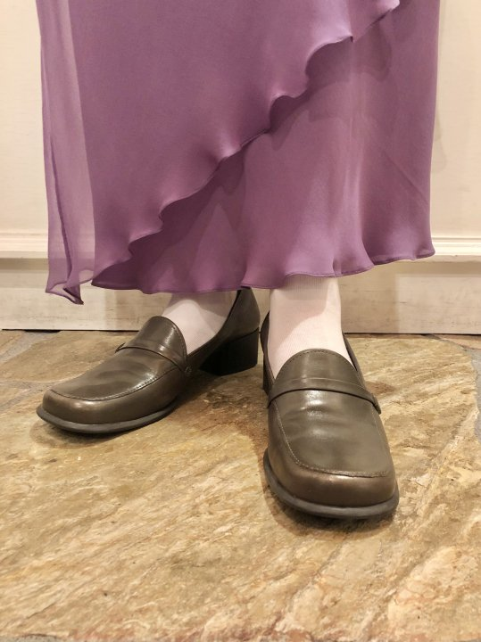 Vintage Moss Green Leather Heel Loafers 25.5cm<img class='new_mark_img2' src='https://img.shop-pro.jp/img/new/icons50.gif' style='border:none;display:inline;margin:0px;padding:0px;width:auto;' />
