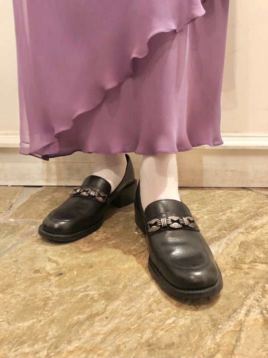 Vintage Silver Plate Design Black Leather Heel Loafers 24.5cm<img class='new_mark_img2' src='https://img.shop-pro.jp/img/new/icons50.gif' style='border:none;display:inline;margin:0px;padding:0px;width:auto;' />