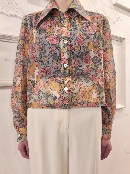 Vintage Floral Print Short Length Shirt S<img class='new_mark_img2' src='https://img.shop-pro.jp/img/new/icons50.gif' style='border:none;display:inline;margin:0px;padding:0px;width:auto;' />