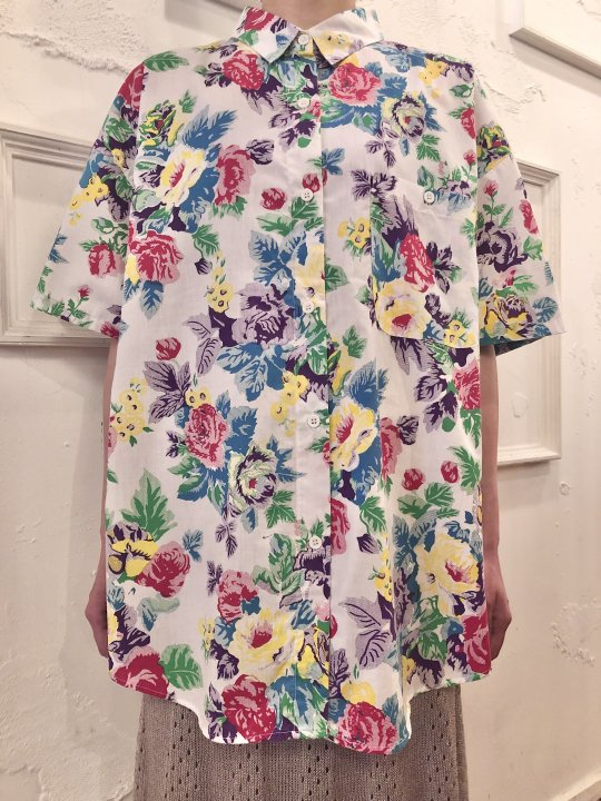 Vintage Coloroful Floral Print S/S Shirt L<img class='new_mark_img2' src='https://img.shop-pro.jp/img/new/icons50.gif' style='border:none;display:inline;margin:0px;padding:0px;width:auto;' />