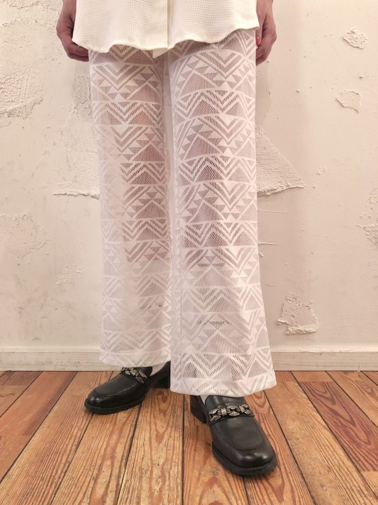 Vintage White Seethrough Flare Pants M<img class='new_mark_img2' src='https://img.shop-pro.jp/img/new/icons50.gif' style='border:none;display:inline;margin:0px;padding:0px;width:auto;' />