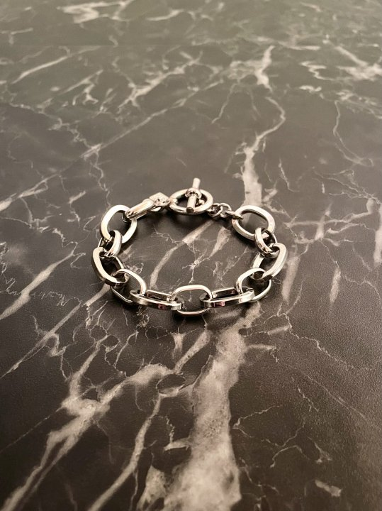 Vintage Silver Oval Chain Bracelet<img class='new_mark_img2' src='https://img.shop-pro.jp/img/new/icons50.gif' style='border:none;display:inline;margin:0px;padding:0px;width:auto;' />