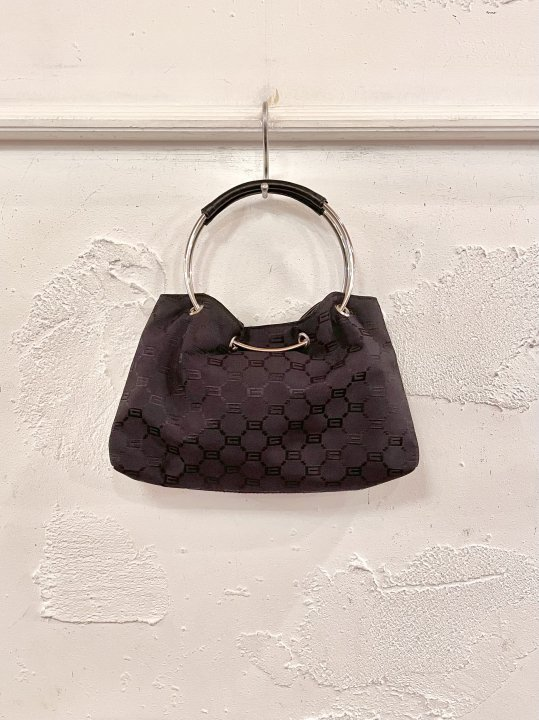 Vintage Black Monogram Circular Handle Bag <img class='new_mark_img2' src='https://img.shop-pro.jp/img/new/icons50.gif' style='border:none;display:inline;margin:0px;padding:0px;width:auto;' />