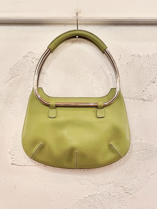 Vintage Gold Green Pear Shaped Hand Bag <img class='new_mark_img2' src='https://img.shop-pro.jp/img/new/icons50.gif' style='border:none;display:inline;margin:0px;padding:0px;width:auto;' />